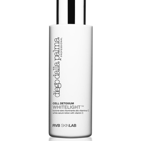 White serum-lotion with vitamin C- heleyttävä kasvovesi